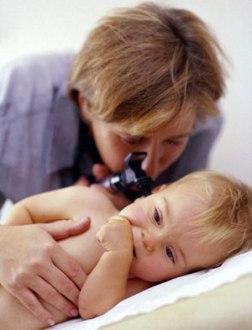 [تصویر:  ear-infection-in-your-infant.jpg]